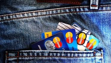 System Zastrzegania Kart – co to takiego? Jak zastrzec kartę bankową?