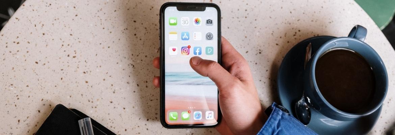 Aplikacje mobilne banku – czy są bezpieczne? Jak z nich korzystać?